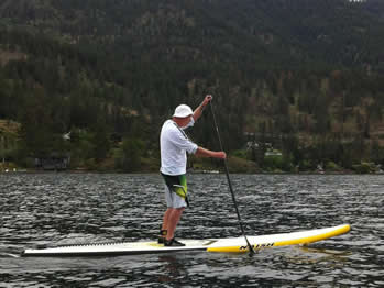 Bob Purdy paddling Lake Okanagan (photo: Joan Vienot/SUP Radio Show)