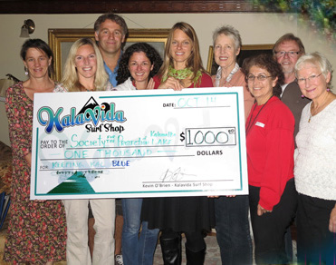 Kalavida Surf Shop donates to SPKL